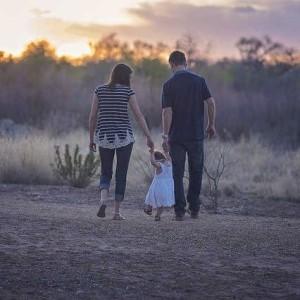 Genitori fuori dal comune (in comune): essere genitori attraverso il linguaggio dell'arte